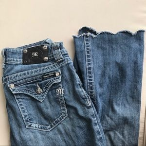 Miss Me Scallop Bootcut cropped Jeans